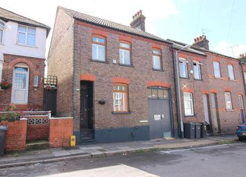 3 bed property for sale in Harcourt Street, Luton, Bedfordshire LU1