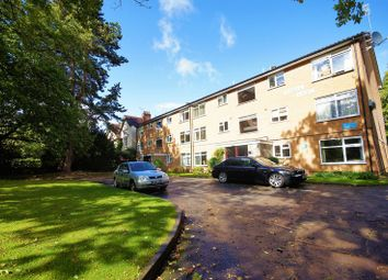 2 bed flat to rent in Warwick Court, Wake Green Road, Moseley B13
