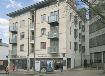 Thumbnail 1 bed flat to rent in New Road, Oxford