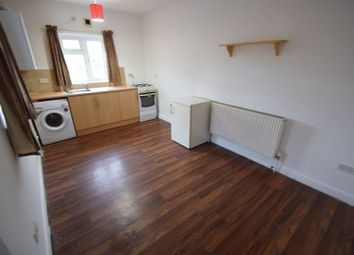 Thumbnail Studio to rent in High Street North, Dunstable