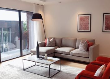 3 bed flat for sale in City Island, London E14