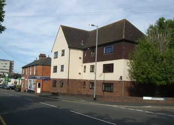 2 bed flat to rent in Abbotts Place, Chelmsford CM2