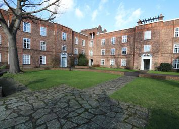 Thumbnail 2 bed flat to rent in St. Andrews Square, Surbiton