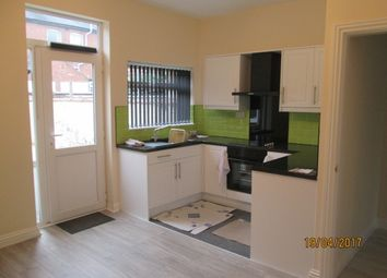 Thumbnail 2 bedroom town house to rent in Ashwell Road, Hartshill, Stoke-On-Trent