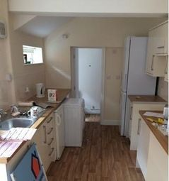 Thumbnail 6 bedroom end terrace house to rent in Queens Crescent, Lincoln