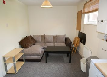 3 bed flat to rent in Victoria Road, Exeter EX4