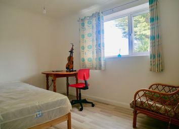 Room to rent in Little Pembrokes, Downview Road, Worthing BN11