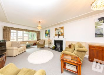 2 bed flat for sale in Thorpe Lodge, Parkstone Avenue, Hornchurch RM11