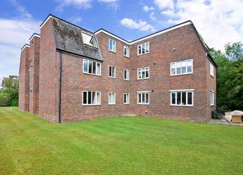Thumbnail 2 bedroom flat for sale in North Road, Petersfield, Hampshire