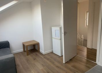 Thumbnail 2 bed flat to rent in Colenso Road, Hackney