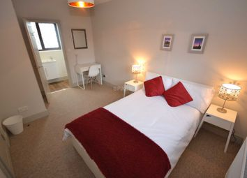 Thumbnail Room to rent in Chiltern Crescent, Reading, Berkshire, - Room 4