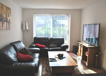 Thumbnail 1 bed detached house to rent in The Gardens, Brookmans Park