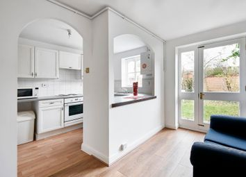 Thumbnail 4 bed property to rent in Barnsdale Avenue, Canary Wharf