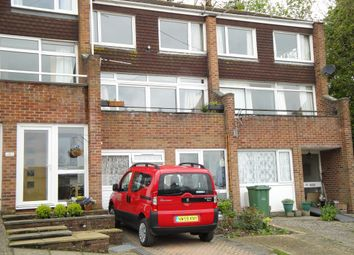 Thumbnail 2 bed maisonette to rent in Cliff Road, Cowes