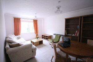 Thumbnail 1 bed flat to rent in Heddington Grove, Islington