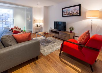 Thumbnail 3 bedroom flat to rent in Lincoln Plaza, Canary Wharf, London