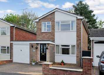 Thumbnail 3 bedroom detached house for sale in Abbey Close, Newbury