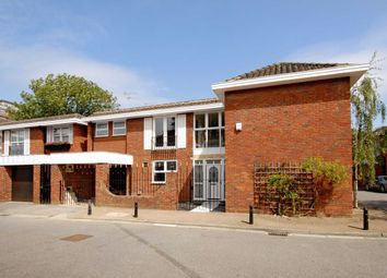 Thumbnail 5 bed property to rent in Denning Close, London