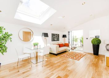 Thumbnail 2 bedroom flat for sale in Pottery Mews, Fulham