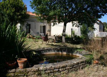 Thumbnail Property for sale in Poitou-Charentes, Charente, Pougne