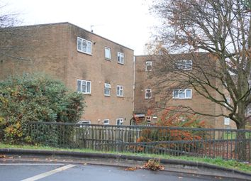 Thumbnail 2 bed flat to rent in Trefoil Crescent, Crawley