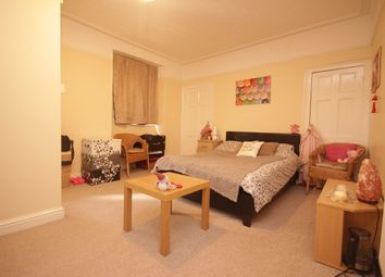 Room to rent in Oxford Place, Plymouth PL1