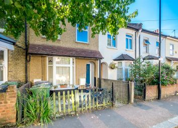 Thumbnail 1 bedroom flat to rent in Wadley Road, London
