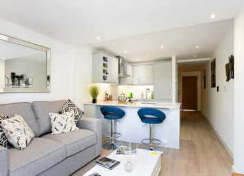Thumbnail 2 bed flat to rent in Chesham Road, Amersham