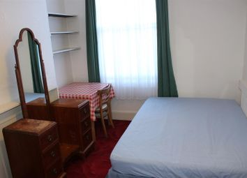 Thumbnail 1 bed flat to rent in Mayes Road, Wood Green, London
