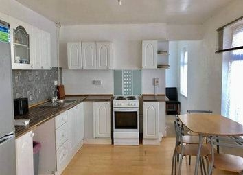 2 bed flat to rent in Brynymor Road, Swansea SA1