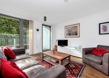 2 bed flat to rent in Meadow Court, Pontoon Dock E16