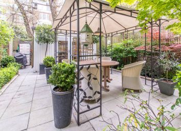 Thumbnail 3 bed flat for sale in Coleherne Road, Chelsea