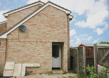 Thumbnail Studio to rent in Lansdowne Road, Aylesbury