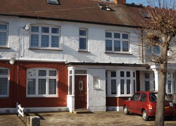 Thumbnail Room to rent in 5 Avery Gardens, Gants Hill