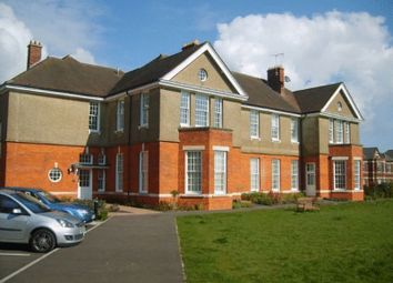 Thumbnail 2 bed flat to rent in Cayton Road, Coulsdon