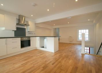 Thumbnail 1 bed flat to rent in High Street, Littlehampton