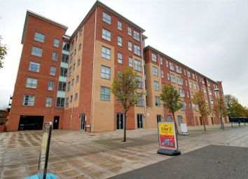 Thumbnail 2 bedroom flat for sale in Englefield House, Moulsford Mews, Reading, Berkshire