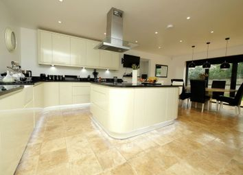 4 bed detached house for sale in Oakley Court, Benson, Wallingford OX10