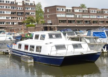 Thumbnail 2 bed property for sale in Justin Close, Brentford