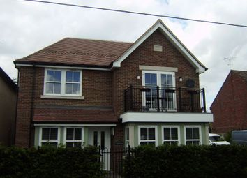 2 bed flat to rent in Dedmere Road, Marlow SL7