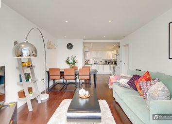 Thumbnail 3 bed flat to rent in De Beauvoir Crescent, De Beauvoir Town, London