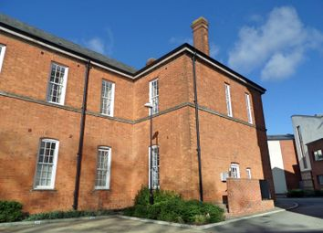 Thumbnail 2 bed flat to rent in Longley Road, Chichester