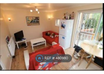 Thumbnail Room to rent in Elm Close, London