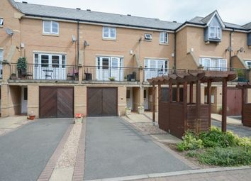 3 bed town house for sale in Portland Close, Chesterfield S41