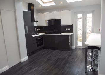 4 bed terraced house to rent in Crown Street, Preston, Lancashire PR1