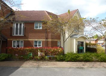 Thumbnail 2 bed flat to rent in Woodside Court, Farnborough