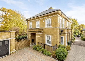 Thumbnail 2 bed flat for sale in Camlet Way, Hadley Wood, Herts