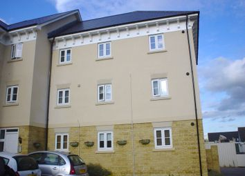 Thumbnail 2 bed flat to rent in Ashcombe Crescent, Witney