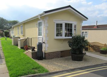 Thumbnail 1 bed mobile/park home for sale in Warren Park (Ref 5442), Boxhill, Dorking, Surrey
