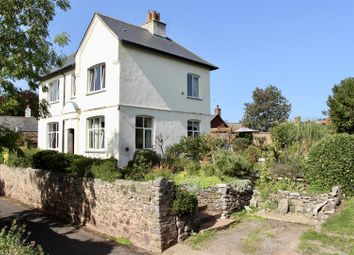 Newcourt Road, Silverton, Exeter EX5. 3 bed detached house